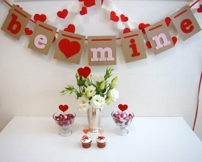 diy valentinstag dekogirlande pralinen