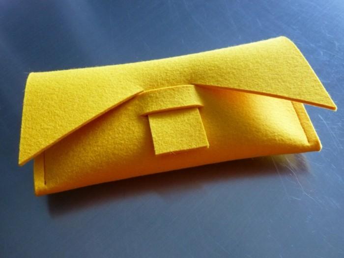 geldbeutel nähen filz gelb elegant