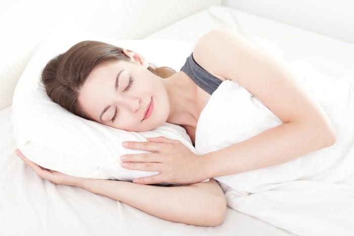 gesund schlafen schlafpositionen tipps gesundheit
