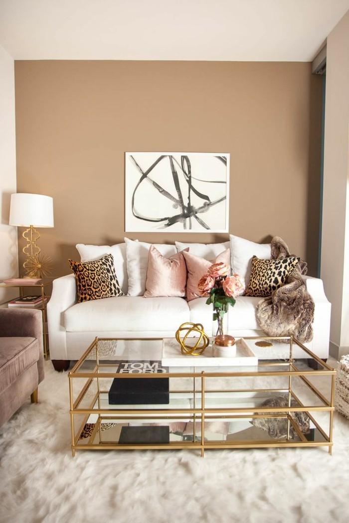 hochwertige inneneinrichtung wohnzimmer tiermuster dekokissen kissenbezüge vintage couchtisch
