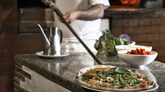 italienische pizza backen