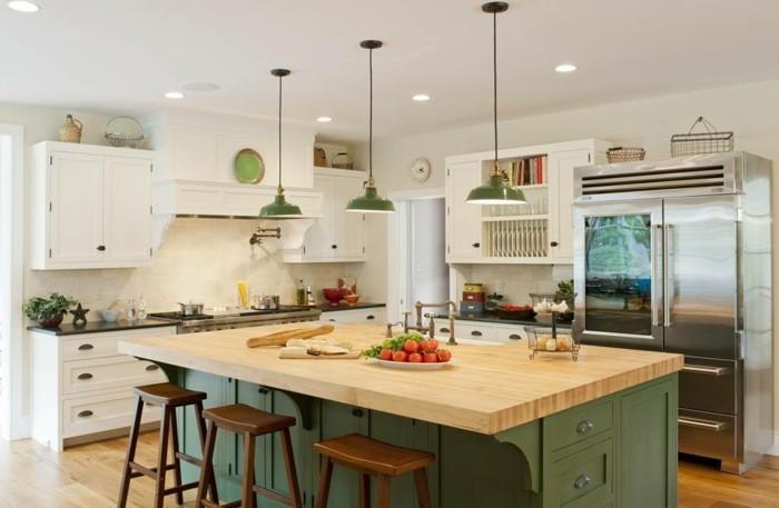 kücheneinrichtung grüne akzente holzboden