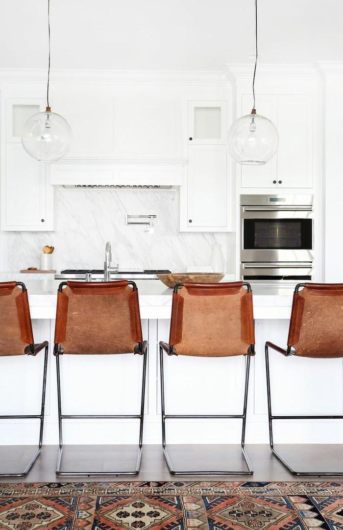 kücheneinrichtung teppichläufer barhocker weiße kücheninsel