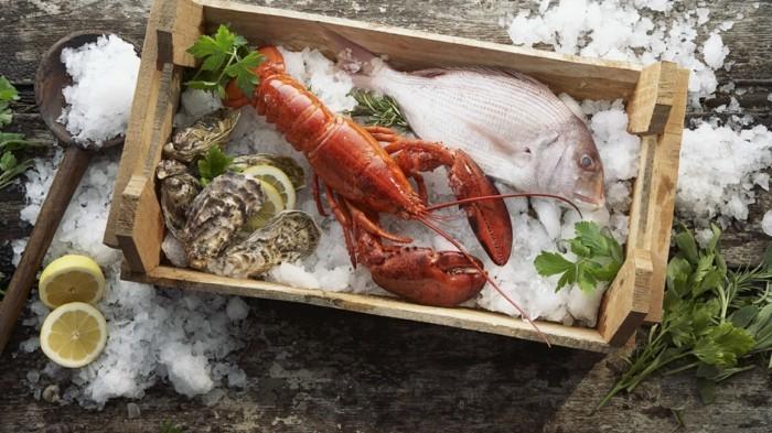 meeresfruechte fisch lobster