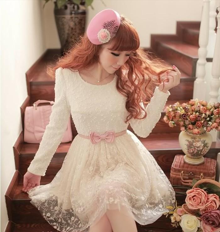 moderne kleider helle nuancen neujahr damenmode trends kollektionen modell