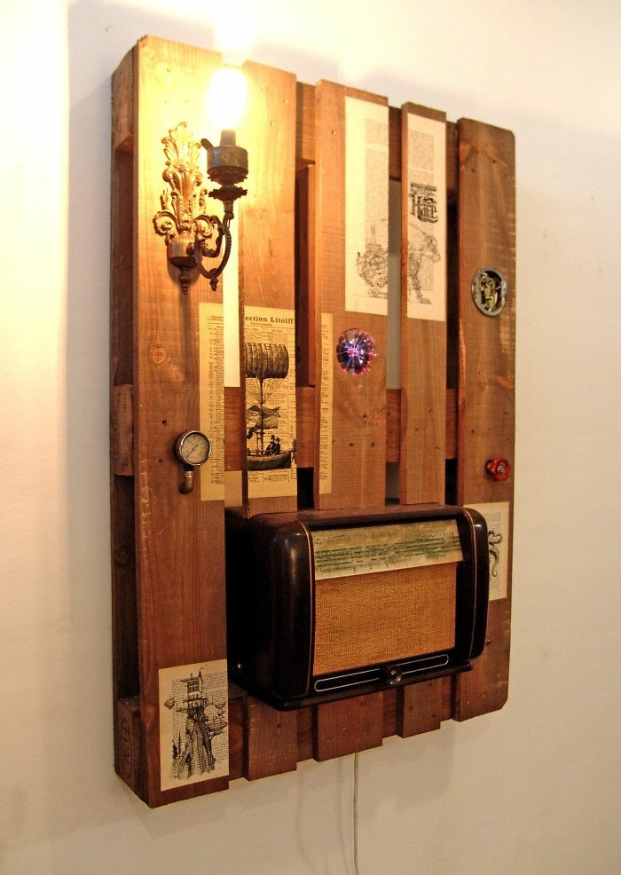 palettenmöbel ideen wanddekoration retro radio europaletten