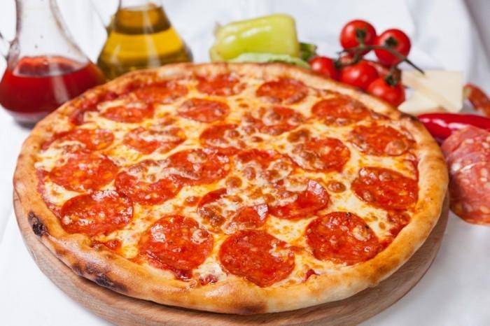 pizza diavola italien scharf