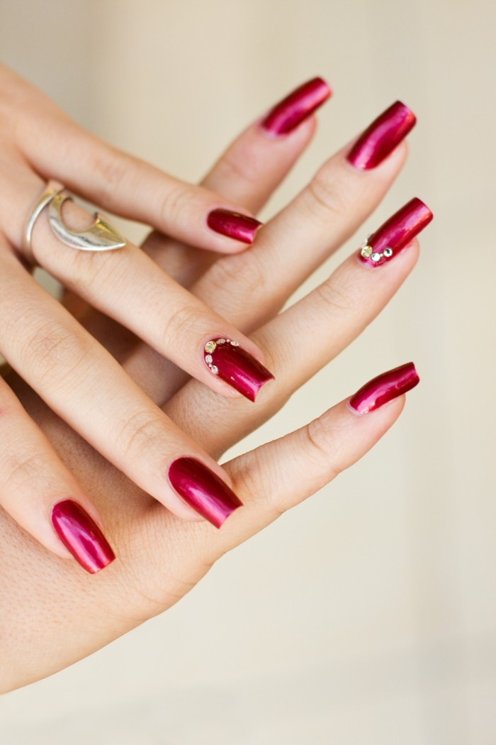 nageldesigns rote nägel schöne fingernägel