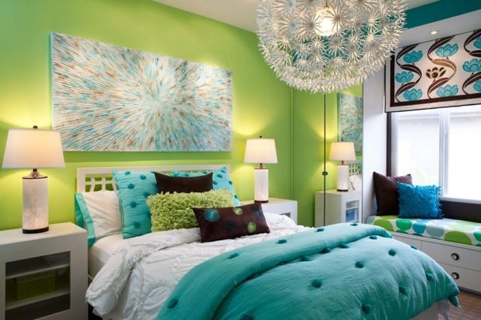 schlafzimmer ideen wandgestaltung grüne wand wandbild schöne bettwäsche
