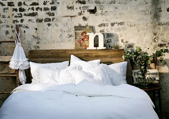 schlafzimmer ideen wandgestaltung schöne steinwand fesselt den blick