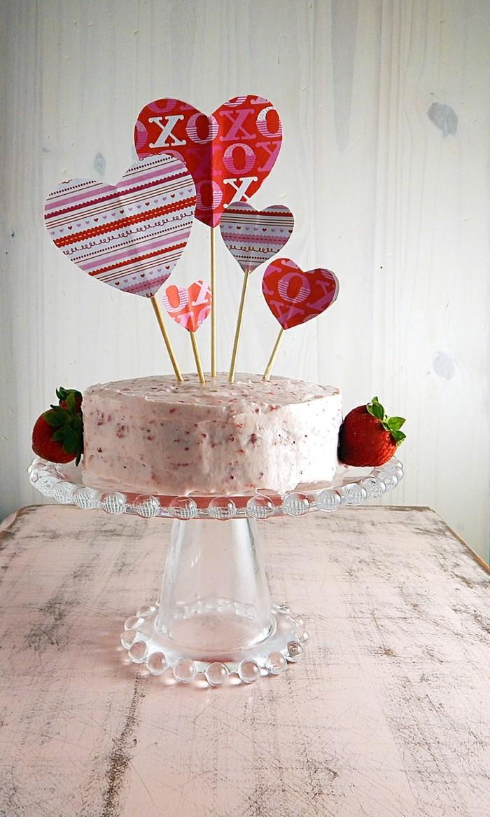valentinstag ideen torte dekorieren ideen herzen erdbeeren
