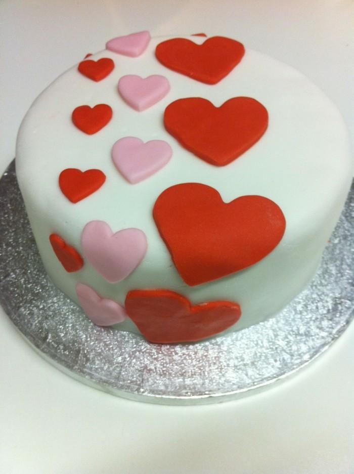 valentinstag kuchen torte zubereiten rund herzen