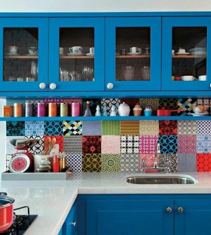 wohnideen küche blaue küchenschränke coole küchenrückwand