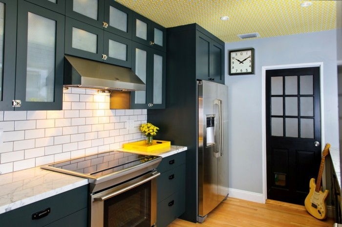 Wohnideen K Che W Nde kücheneinrichtung mit farbigen akzenten 44 einrichtungsbeispiele