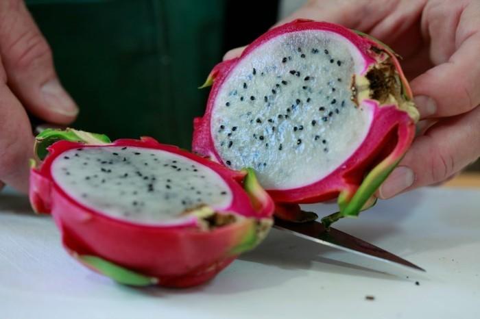 Drachenfrucht Gesundheit Antioxidant Sorten Schneiden durch die Mitte