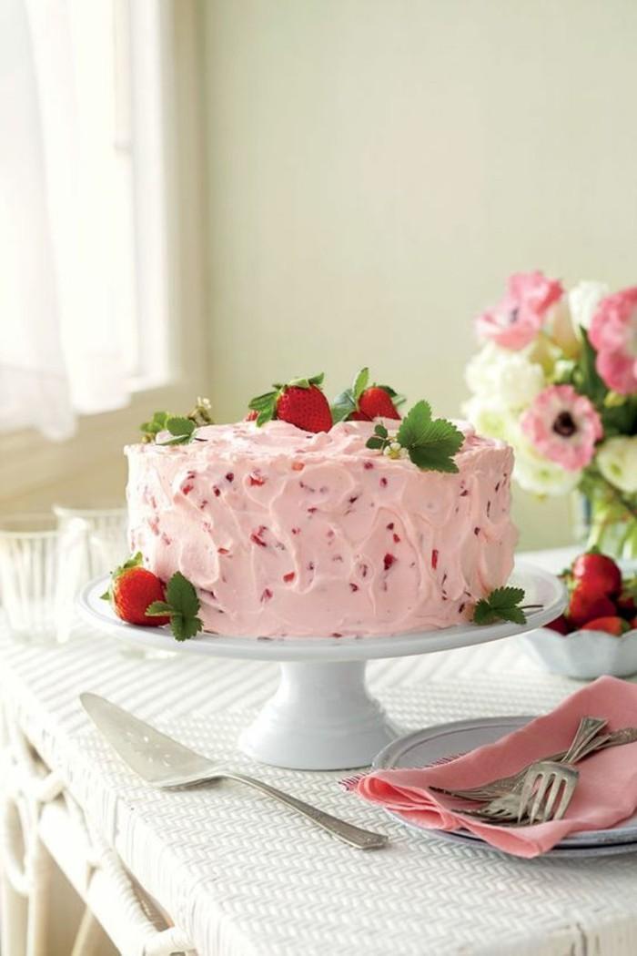 ausgefallene torten creme erdbeeren