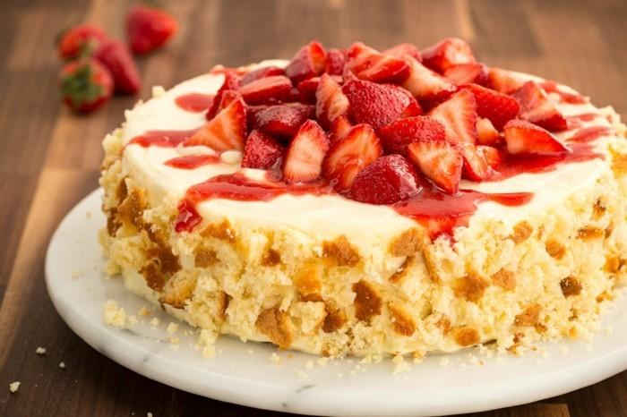 ausgefallene torten erdbeeren kuchen festliche stimmung