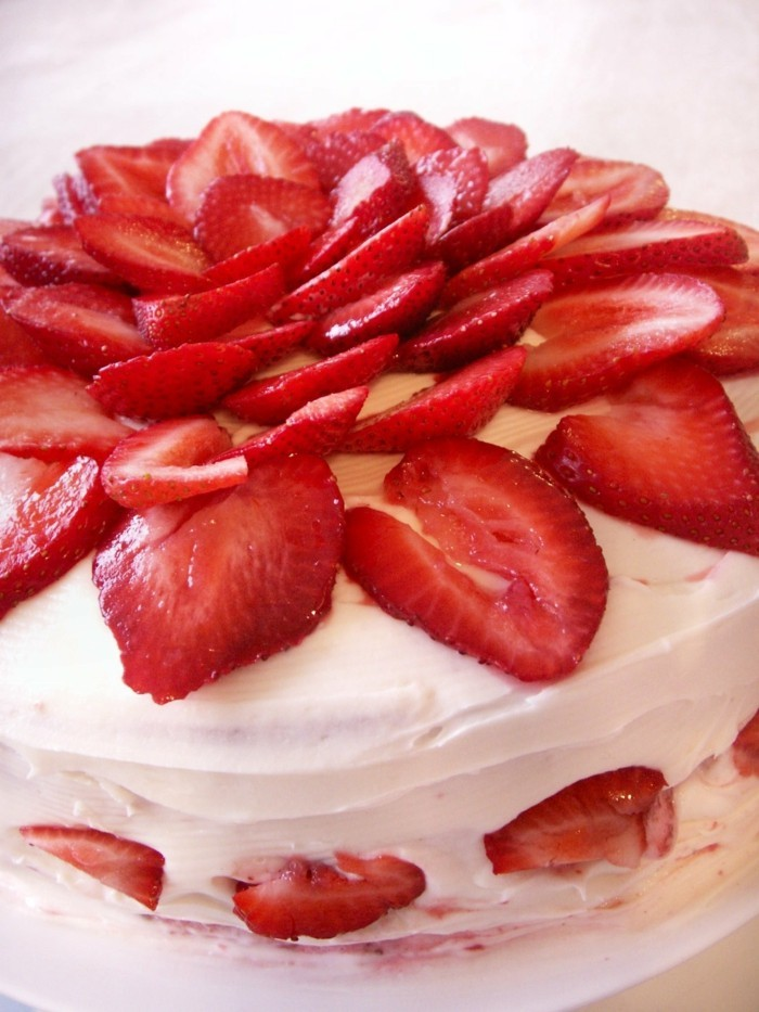 ausgefallene torten mascarpone erdbeeren