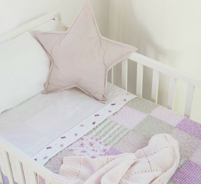 babybettwäsche-textura-heimtextilien-babybett-stern-mädchen