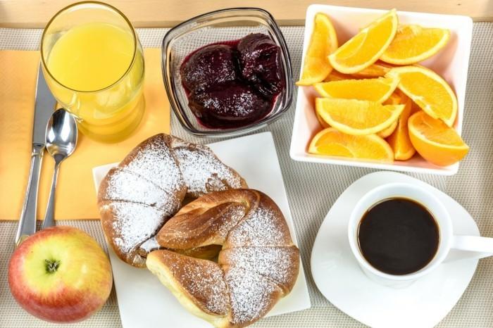 breakfast hotel 1921530 1280