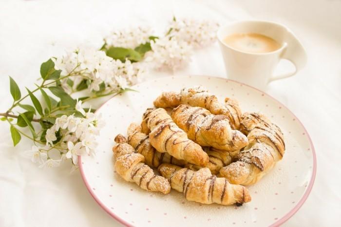 croissant 1804435 1280