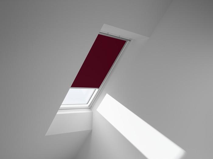 dachfenster rollo und noch mehr clevere l sungen f r. Black Bedroom Furniture Sets. Home Design Ideas