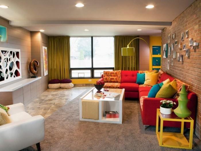 Eklektisch Einrichten Eklektisches Wohnzimmer Gestalten Rotes Sofa Teppich Beige