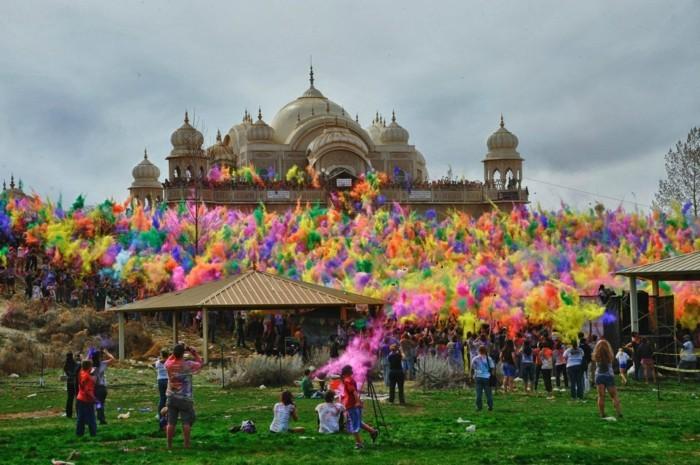 farben festival begehen
