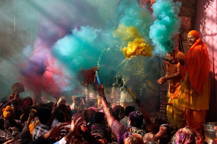 farben festival holi