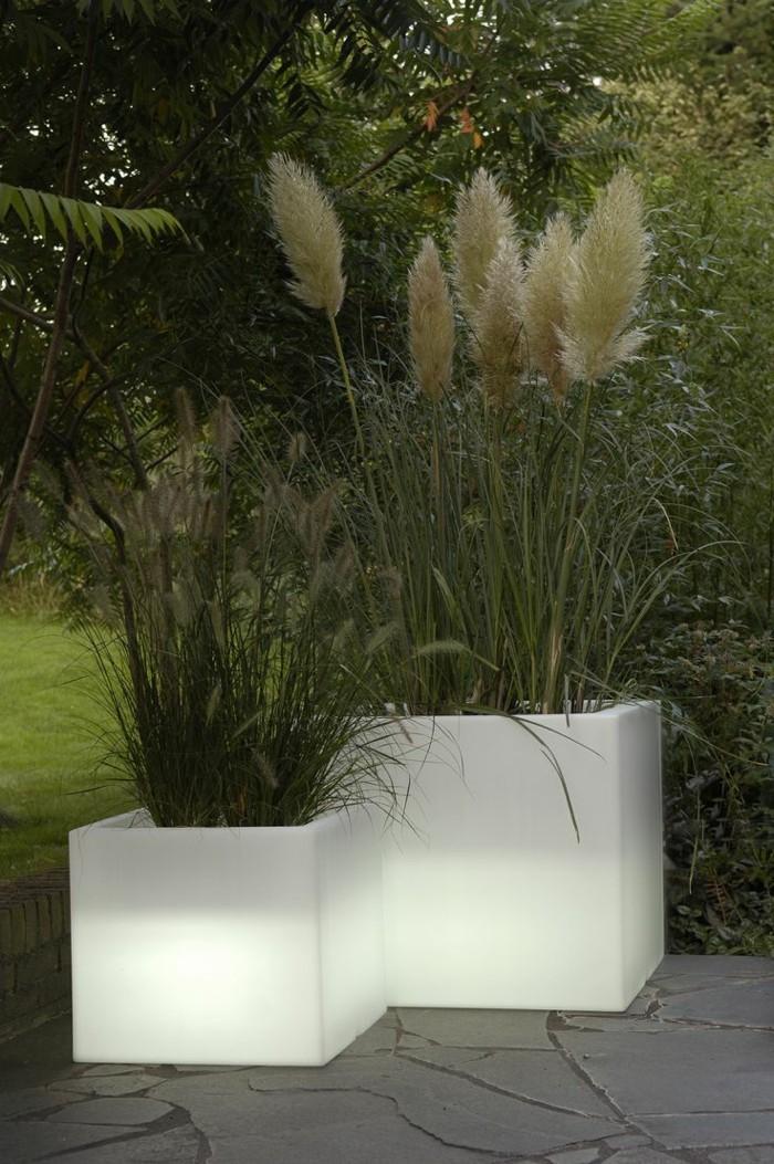 gartenbeleuchtung ideen kreative ideen f r innendekoration und wohndesign. Black Bedroom Furniture Sets. Home Design Ideas