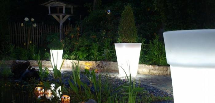 gartenbeleuchtung ideen leuchtende pflanzenbehälter dekoideen garten