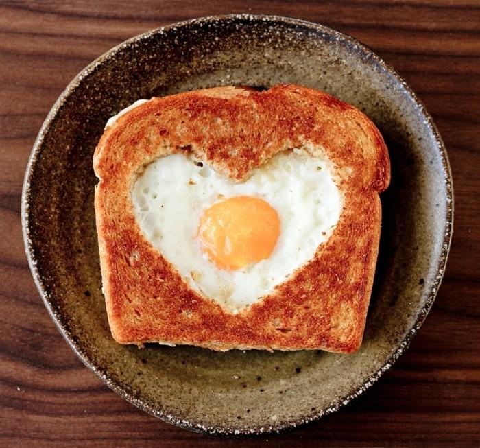 Geschenkideen Valentinstag Essen Frühstück Herz