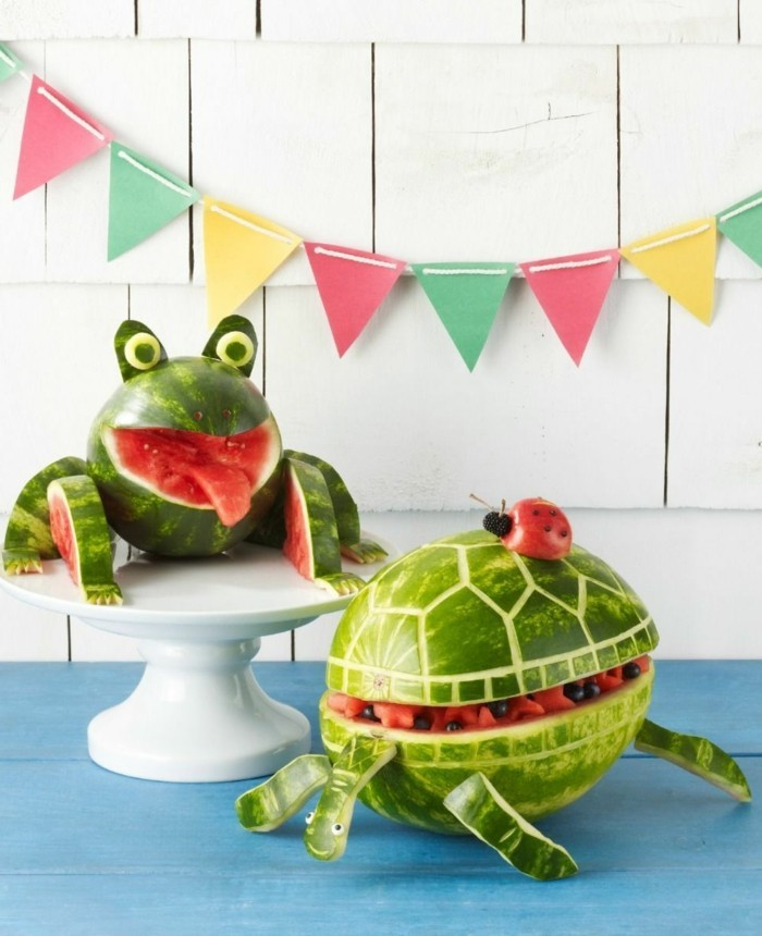 gesunde frühstücksideen deko mit früchten wassermelonen tiere