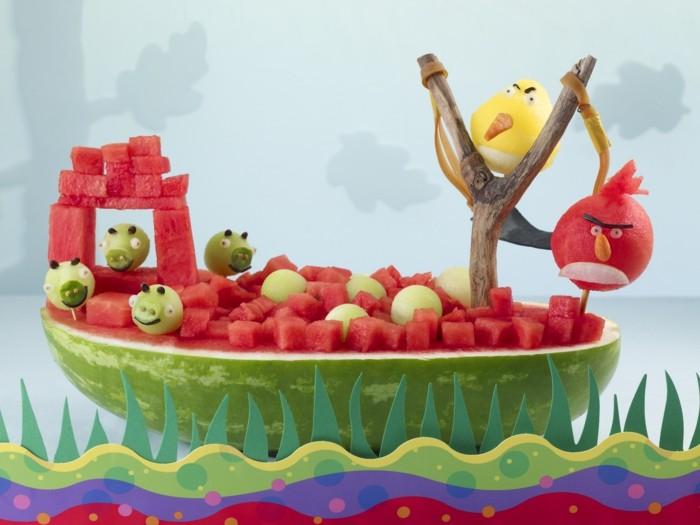 gesunde frühstücksideen dekoideen früchten wassermelone angry birds