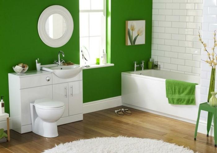 gruene waende beadezimmer
