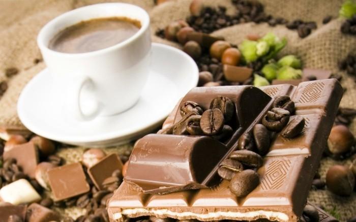 guten morgen kaffee coffee vollmilchschokolade haselnüsse kaffeebohnen