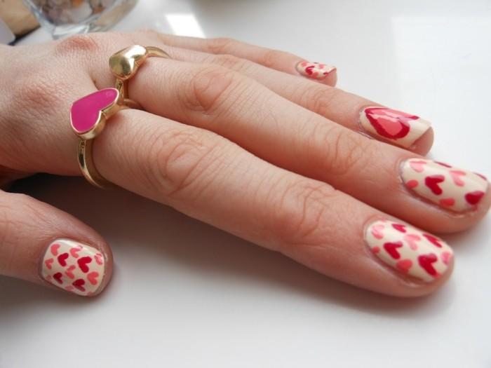 happy valentinstag nagellack ideen herzen dekoration