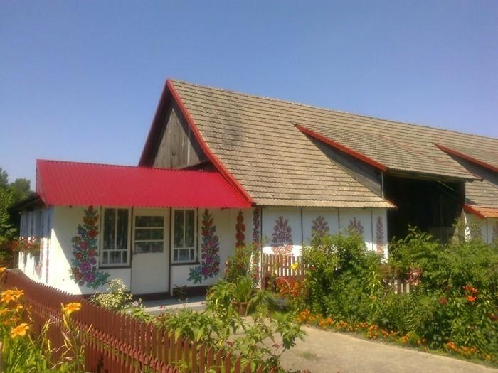 Hausfassade Gestalten Zalipie Ausgefallene Deko Florale Muster