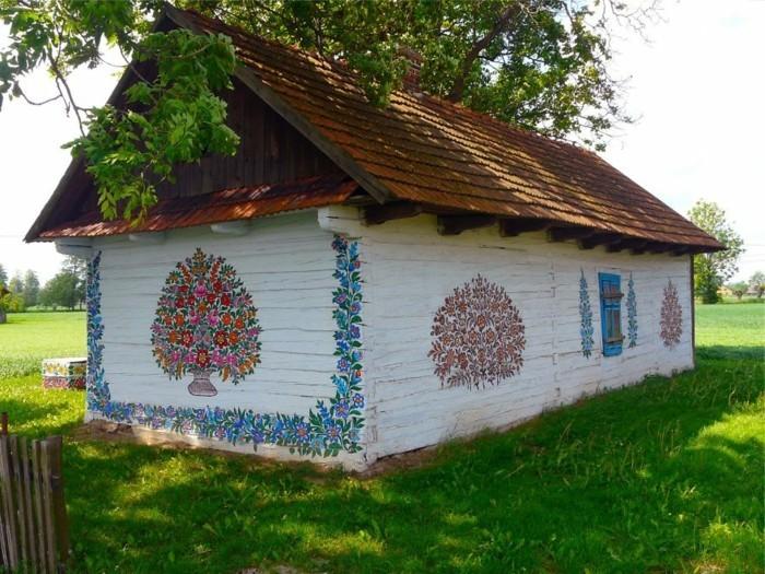 hausfassade gestalten zalipie florale muster gartenideen