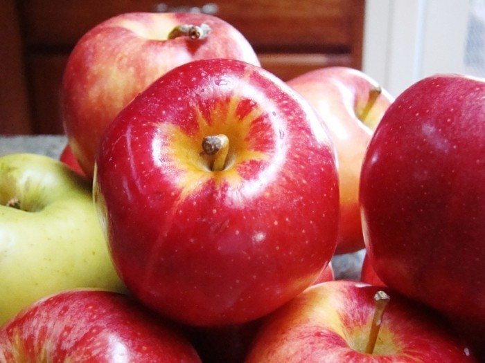 hautpflege tipps äpfel schöne haut frühling