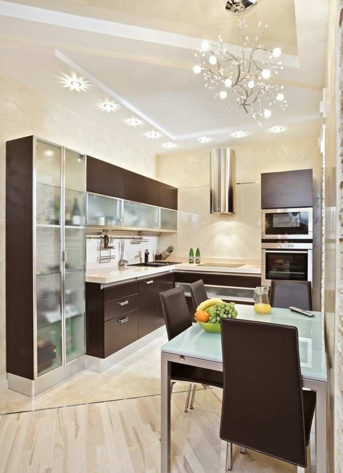 kücheneinrichtung elegante einrichtungsideen braune akzente