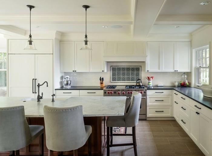 kücheneinrichtung stauraum ideen arbeitsfläche teppichläufer