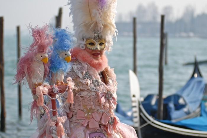 karneval in venedig piazza 14