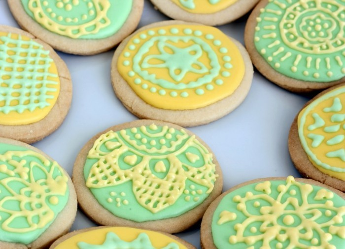 kekse backen grün gelb