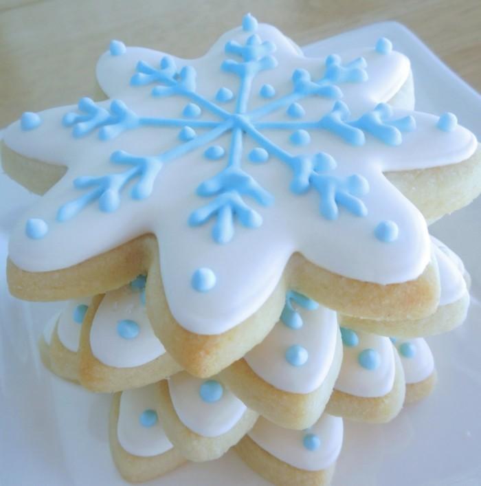 kekse backen schneeflöckchen kekse dekorieren
