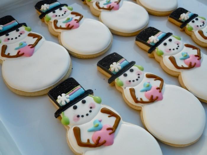 kekse backen weihnachten schneemänner