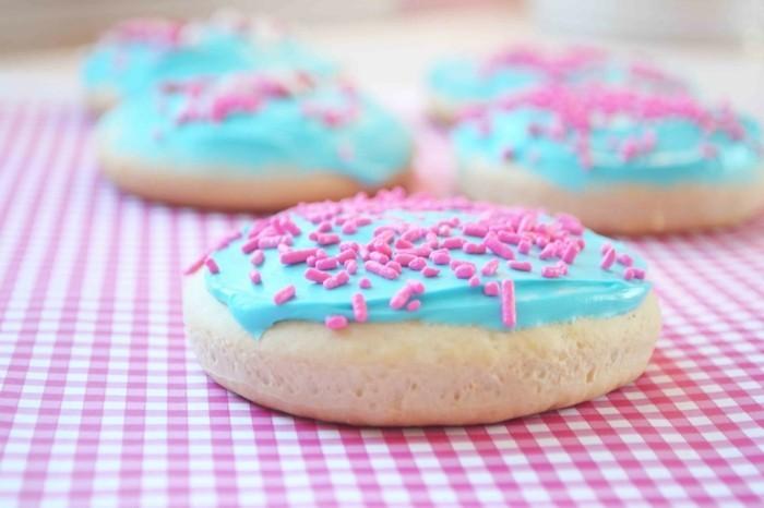 kekse selber backen glasur farbige dekoration