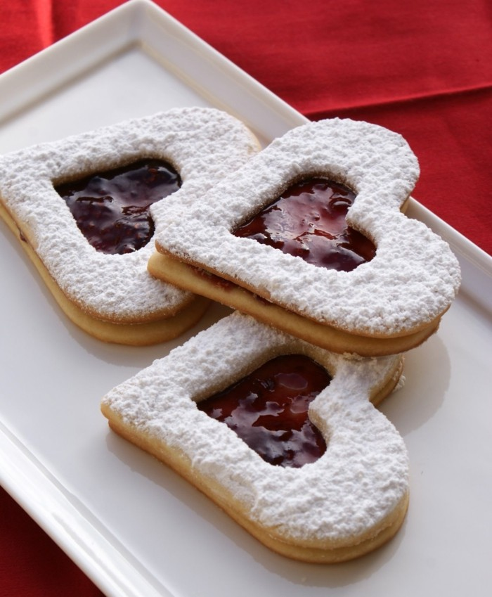 kekse selber backen valentinstag herzen himbeeren konfitüre
