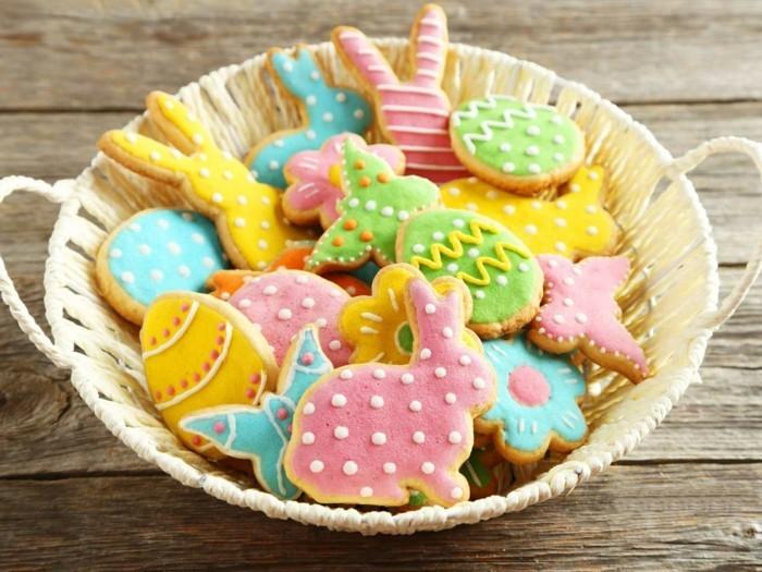 kekse verzieren lustige osterkekse dekorieren muster formen