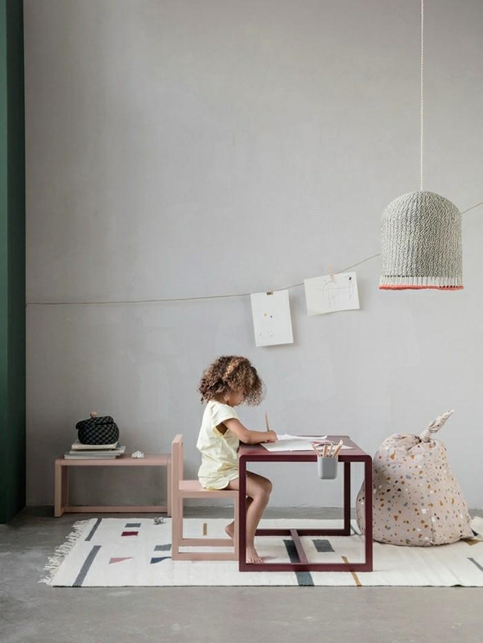 kinderzimmer-skandinavisch einrichten mädchenzimmer little architect stuhl tisch kinderteppich hängeleuchte
